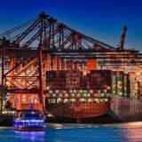 Containerschiff am Eurogate
